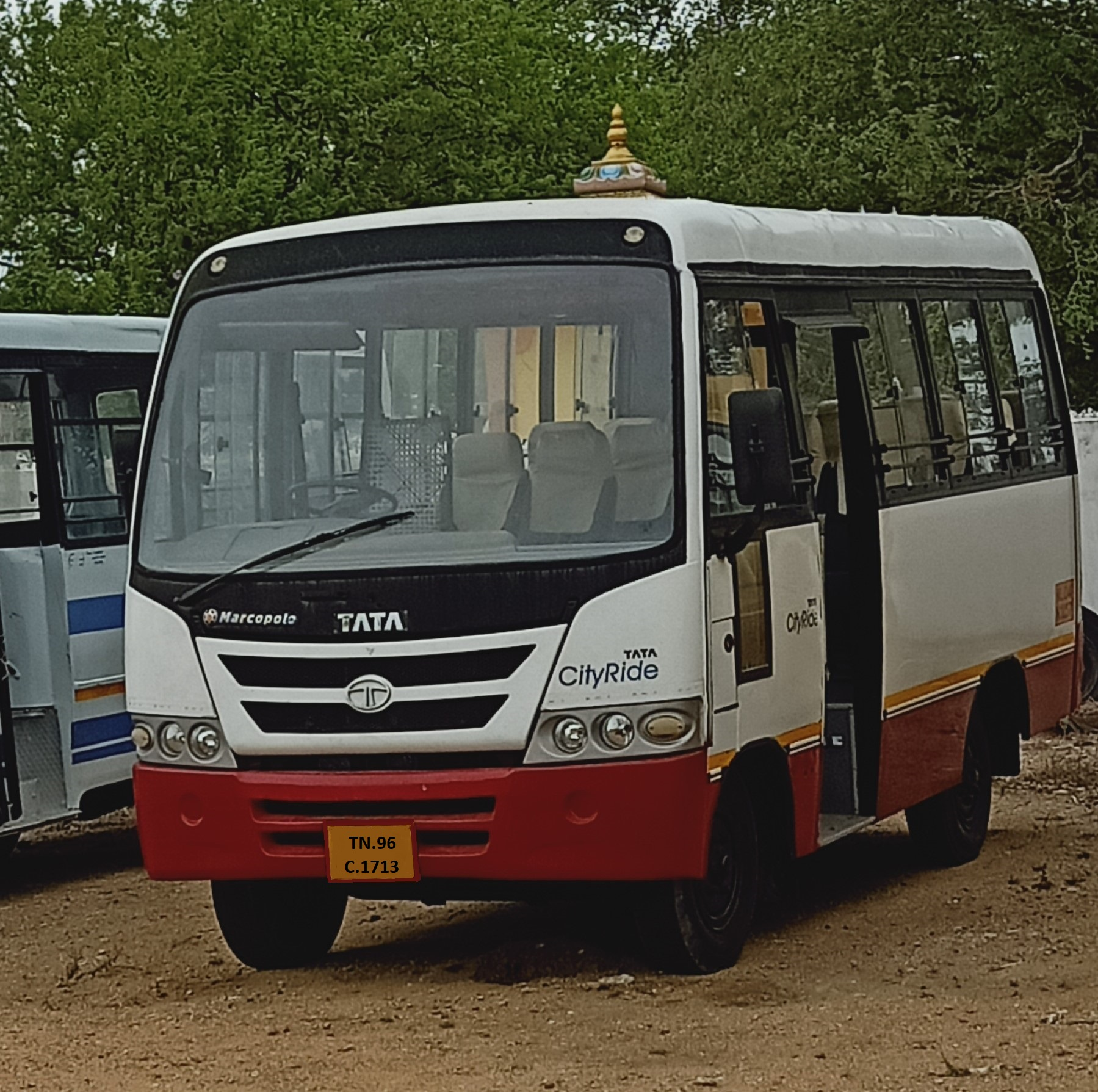 van for sale available at asmitha bus service in thoothukudi